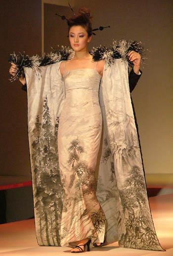 日本著名婚纱设计师桂由美的专场作品秀