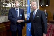 国�Bのデミストゥラ特使(右)はアサド政�丐未�表�猡让婊幛筏浚�29日、スイス・ジュネ�`ブ)=ロイタ�`