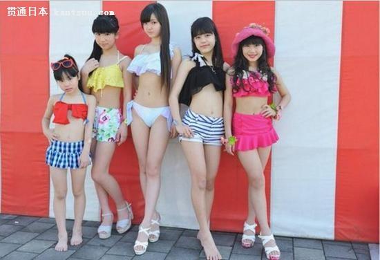 比基尼+腹肌+长腿!日12岁小学生女团走红