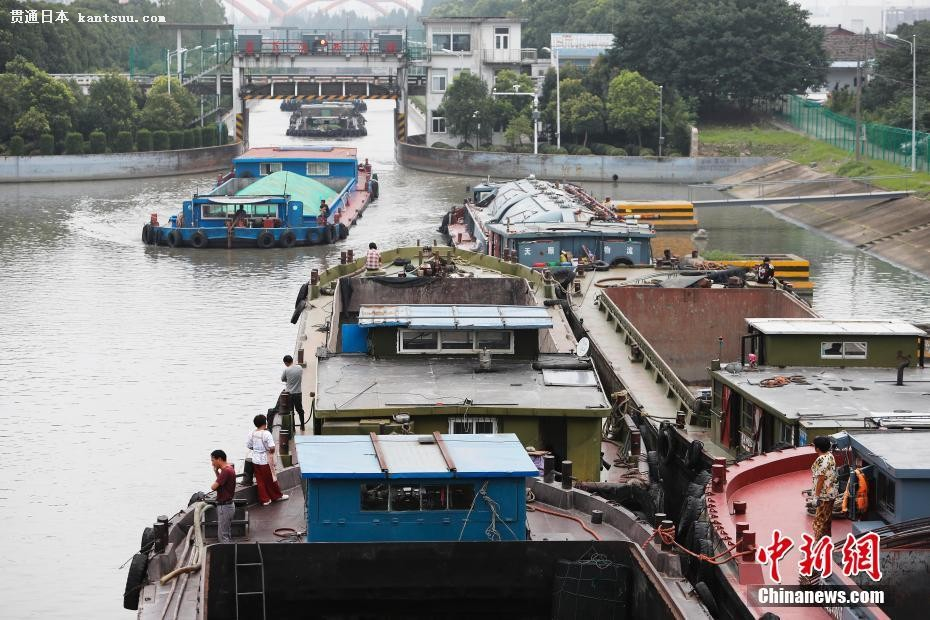 上海の一部水�Tが洪水��策の放流のため�_扉